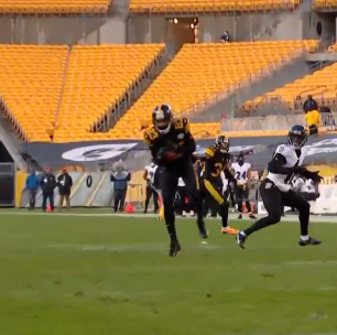 RG3 throws a pick 6 straight to Joe Hayden. Do the Ravens have a practice squad WR who can play QB instead #BALvsPIT