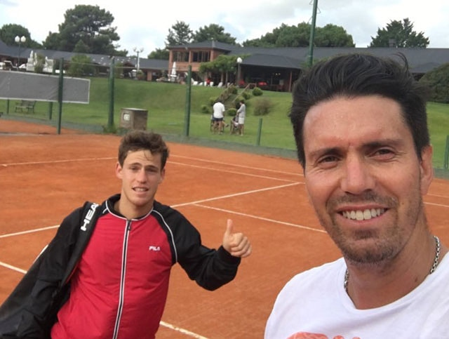 Premios ATP:  Nominados all entrenador del año ☑️Gilles Cervara (Daniil Medvedev) ☑️Juan Ignacio Chela (Diego Schwartzman) ☑️Nicolas Massu (Dominic Thiem) ☑️Riccardo Piatti (Jannik Sinner) ☑️Fernando Vicente (Andrey Rublev) 📸Chela https://t.co/w3Mi4vX1t2