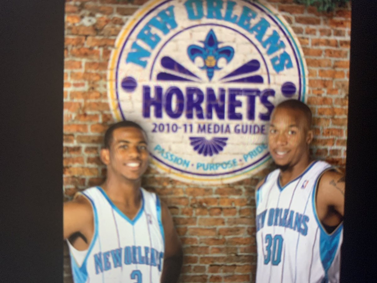 The original Charlotte hornets last season began in 2001/02  @MELOD1P is born in 2001  The original hornets  best season was  97/98. But lost to mj/ bulls in playoffs. Predicted upset in SI. 54 wins   @ZO2_ born in 97   @Lavarbigballer was on panthers practice squad in 95. https://t.co/VLJRzkHU5x