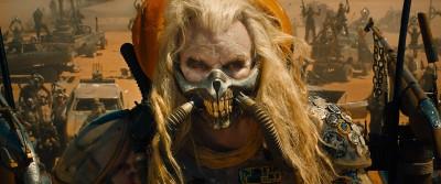 【訃報】俳優のヒュー・キース=バーンさんが死去 73歳「マッドマックス」シリーズなどにも出演し、2015年公開の『怒りのデス・ロード』では荒野の支配者イモータン・ジョー役を務めた。
