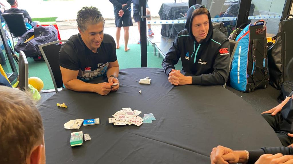 ♠️ ❤️ ♦️ ♣️ Bit of cards while the rain prevents play in the first Test between 🇳🇿 and 🌴!  What do you usually do when you're waiting to get back on the field?!  📸 @BlackCaps