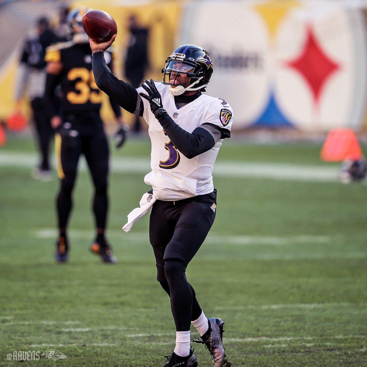 #NFL   Finaliza 3er Periodo en el Heinz Stadium   #HereWeGo 12-7 #RavensFlock   #Semana12