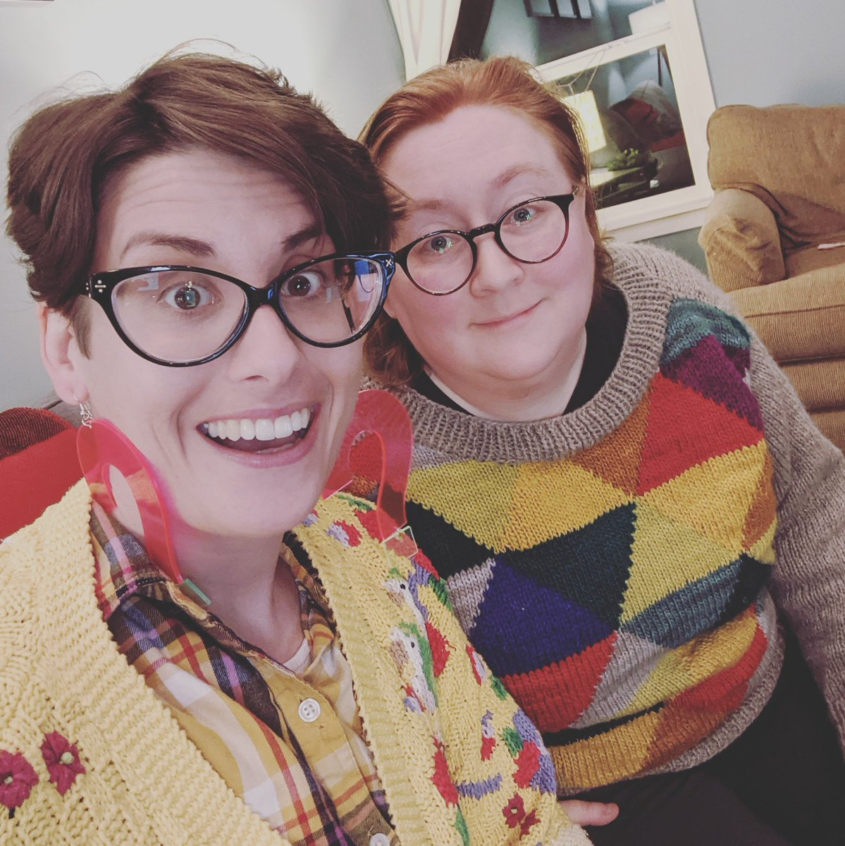 Happy #VisibleNonbinary Day from your two podcast father figures, @mxdeetwenty and @aeeeross 🏳️⚧️