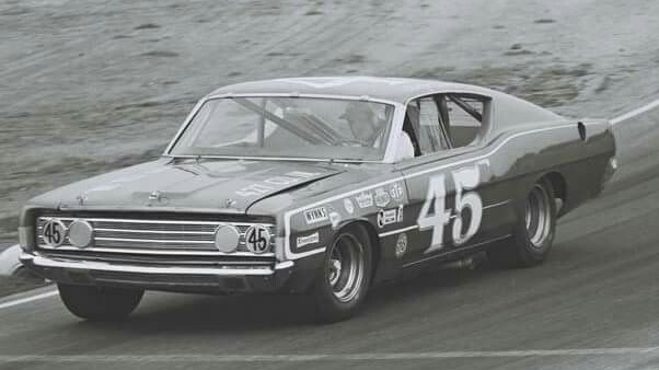 Remembering Scotty Cain today 8/11/1920 - 12/2/1994 #RIP Scotty Cain won back-to-back @NASCAR Pacific Coast Late Model Division championships in 1967 and 1968. He was inducted into the West Coast Stock Car Hall of Fame in 2002.