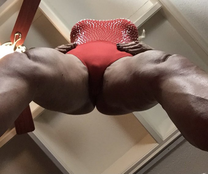 Arrived in Lauderdale today! I'm here until Sunday afternoon. When is the last time you saw muscles from