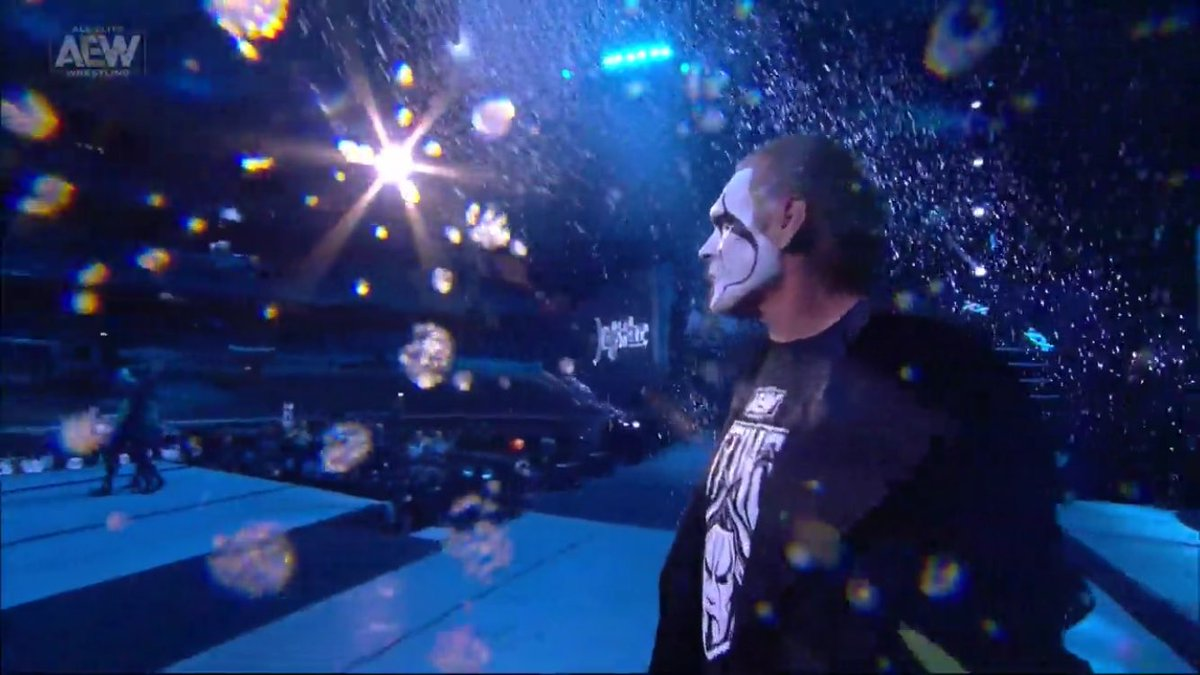 So much to love about Sting's return. The face offs with Cody and Darby, Schiavone's emotional commentary, that awesome theme song all taking place under the icey snowfall setting❄️❄️. Truly epic stuf🔥 #AEWDynamite