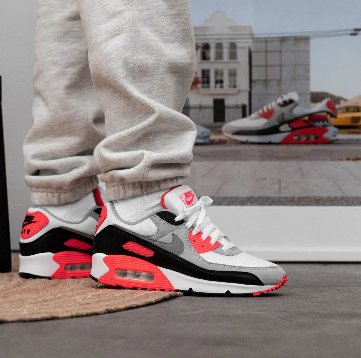 EASY COP Nike Air Max III 'Radiant Red' =  2