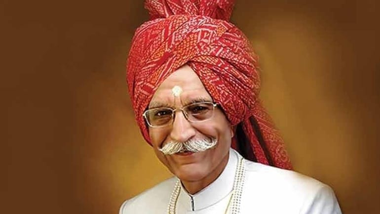 My heartfelt tributes to the man who added flavour to our food for generations. You will always be remembered for your zeal for life. Heavens shall be fragrant with your presence Masala King! Rest in peace #DharampalGulati ji - @BansuriSwaraj  @SushmaSwaraj  @governorswaraj