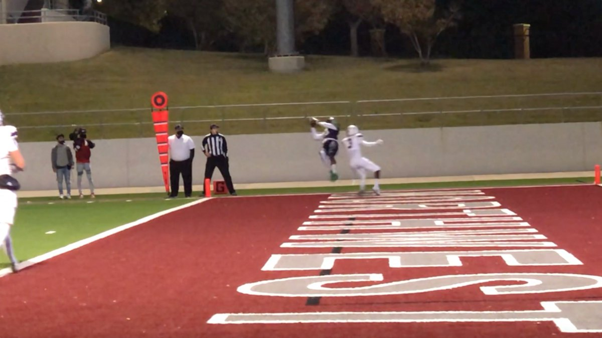 VIDEO: Highlights from Eaton's 43-14 win over Timber Creek to end the regular season. The Eagles will continue their season next week as they begin their playoff run. https://t.co/dXObq8LRr5  #FNGsports | #txhsfb https://t.co/L7SVZ9wgir