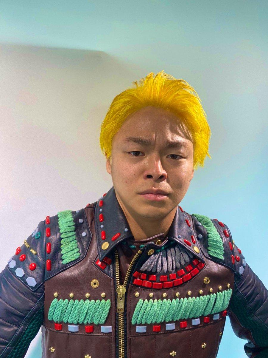 髪色が最近地味だったので反動で黄色になった!!!うわぁ!!