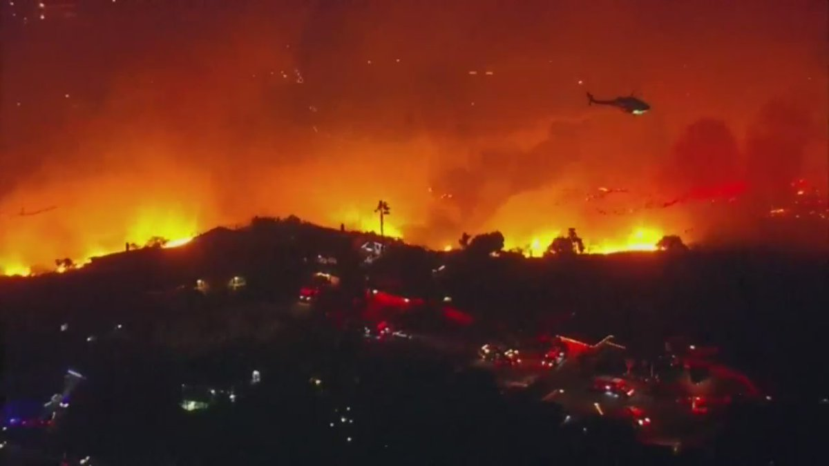 FOX 5 San Diego: Evacuations are underway late Wednesday for the #WillowFire in the East County. These are a few views from moments ago from our SkyFOX camera.       via FOX 5 San Diego