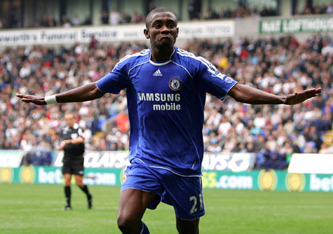 On this day: 2011 - Salomon Kalou became the 1st person to make 100 substitute appearances for Chelsea (vs Newcastle). #CFC #Chelsea https://t.co/Q1ImrK4DfC