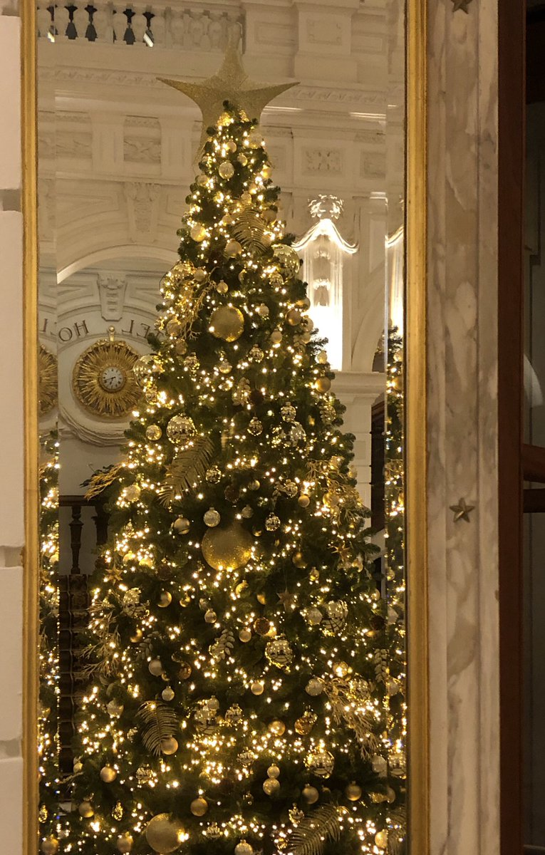 A sneak preview of our Christmas styling at the InterContinental Amstel Amsterdam! To be continued @AmstelHotel.... #christmastree #christmastyling https://t.co/zprZaNlFaG