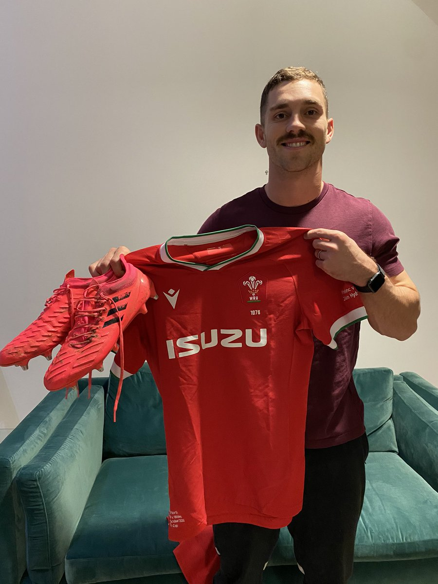 Get your hands on my shirt 👀 Im raising money for @movemberuk with @getwishio & offering one of You🏉 my signed shirt & boots (worn in the France v Wales @autumnnations game) AND 🏉 a shirt signed by the whole @WelshRugbyUnion squad! Enter here: wishio.io/events/georgen…
