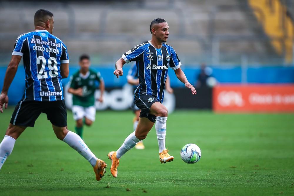 Embalado por assistências, Luiz Fernando firma espaço como substituto de Alisson no Grêmio https://t.co/UyPjFMwGmC https://t.co/52yk4XDTrk