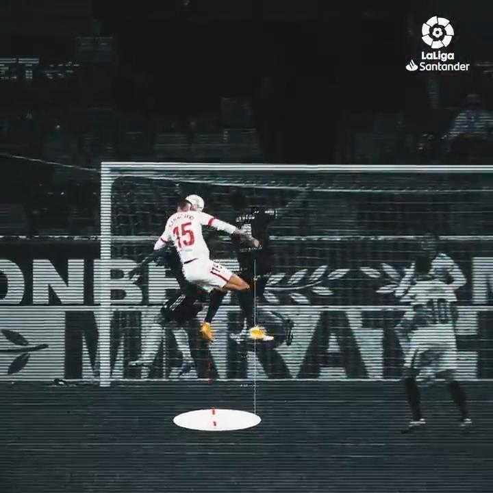 🇲🇦 @ennesyri9 on a mission to score goals for @SevillaFC_ENG! 🦸  #LaLigaSantander