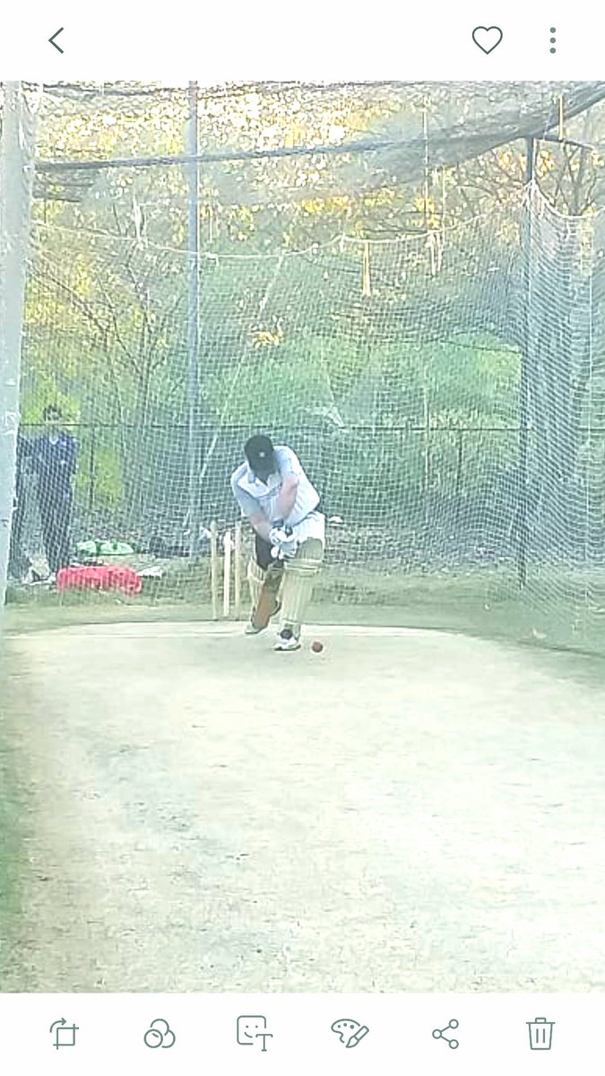 Sir @shakilsh58, many thnx 4 allowing me a bat in the nets after God knows how many years! Loved it! 👌 Very impressed by your ground & facilities! Even more so by the discipline of your players! 🇵🇰 Cricket blossoms coz of supporters like u, Sir! Carry on the good work! 👍👏👏👏