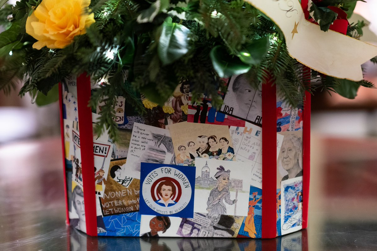 Décor in the @WhiteHouse Library celebrates the 100th Anniversary of the ratification of the #19thAmendment.Trees are adorned w ornaments featuring notable women in our Nation's history & center tables showcase children's art from @Flotus #BuildingtheMovement exhibit #WHChristmas