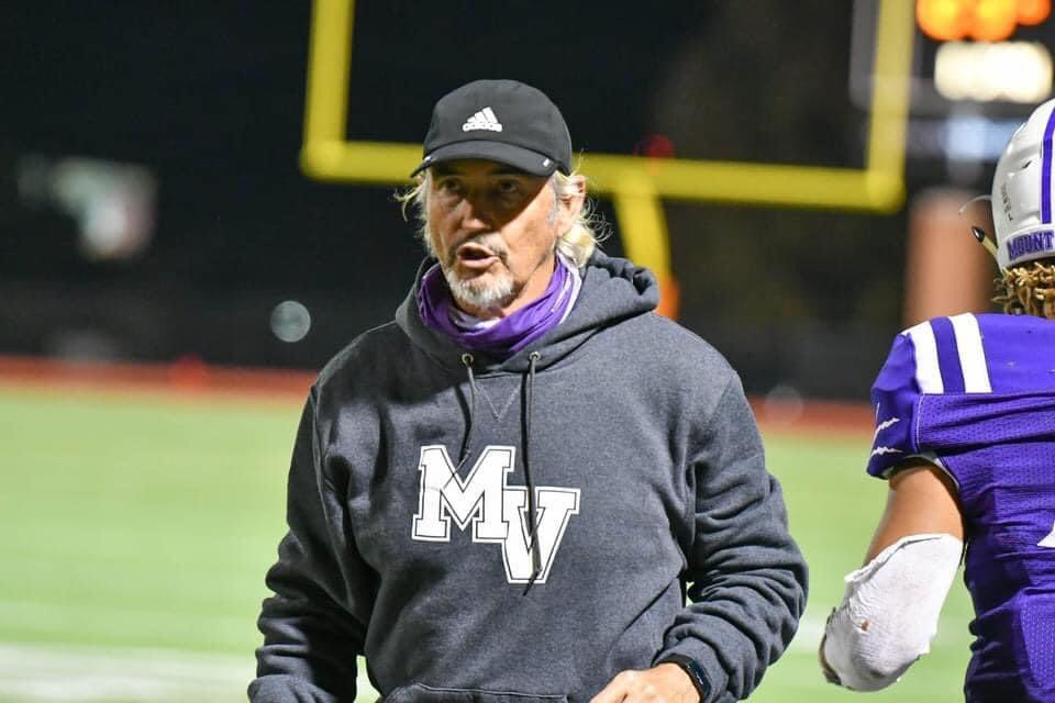 Happy Birthday Coach Briles 🎂💜🎂  #MountVernon #Stephenville #Waco #TxHsFb https://t.co/rwfwLTQPLS