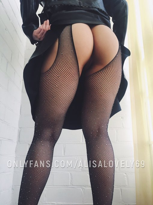 1 pic. Horny😈 kinky babe with a great fucking ass🤯 shoots hot videos🎬 for you!😉 Drop in for a visit -