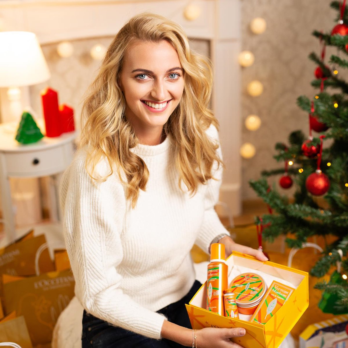 Still searching for the perfect gift for someone on your list? 🤔🎁 Look no further than our limited-edition Verbena Mandarin Set! 📷: @petra.kvitova https://t.co/i3ER39khyy