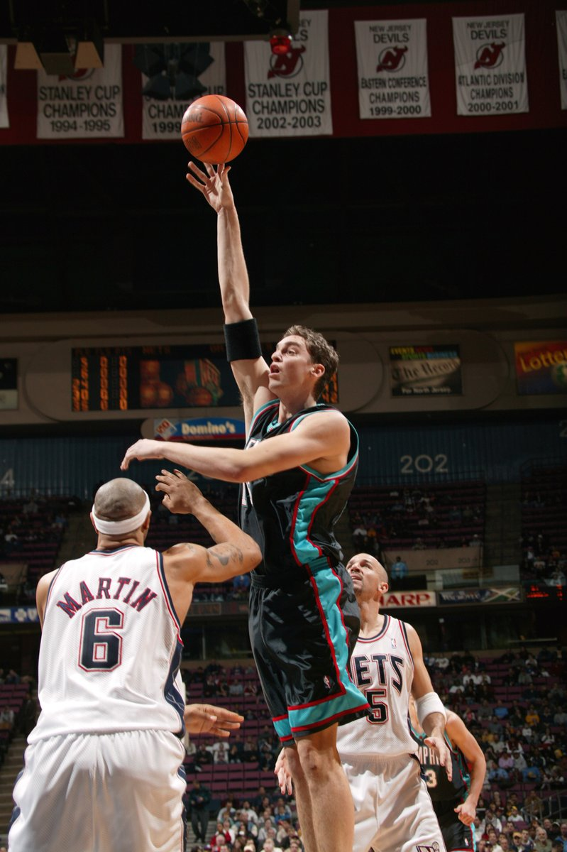 Despite being without Wells due to the pending trade, @memgrizz defeated the New Jersey Nets, 96-93, at Continental Airlines Arena later that night to improve to 9-8 during the 2003-04 season.   @paugasol and @James_Posey41 led the Grizzlies with 19 points each.