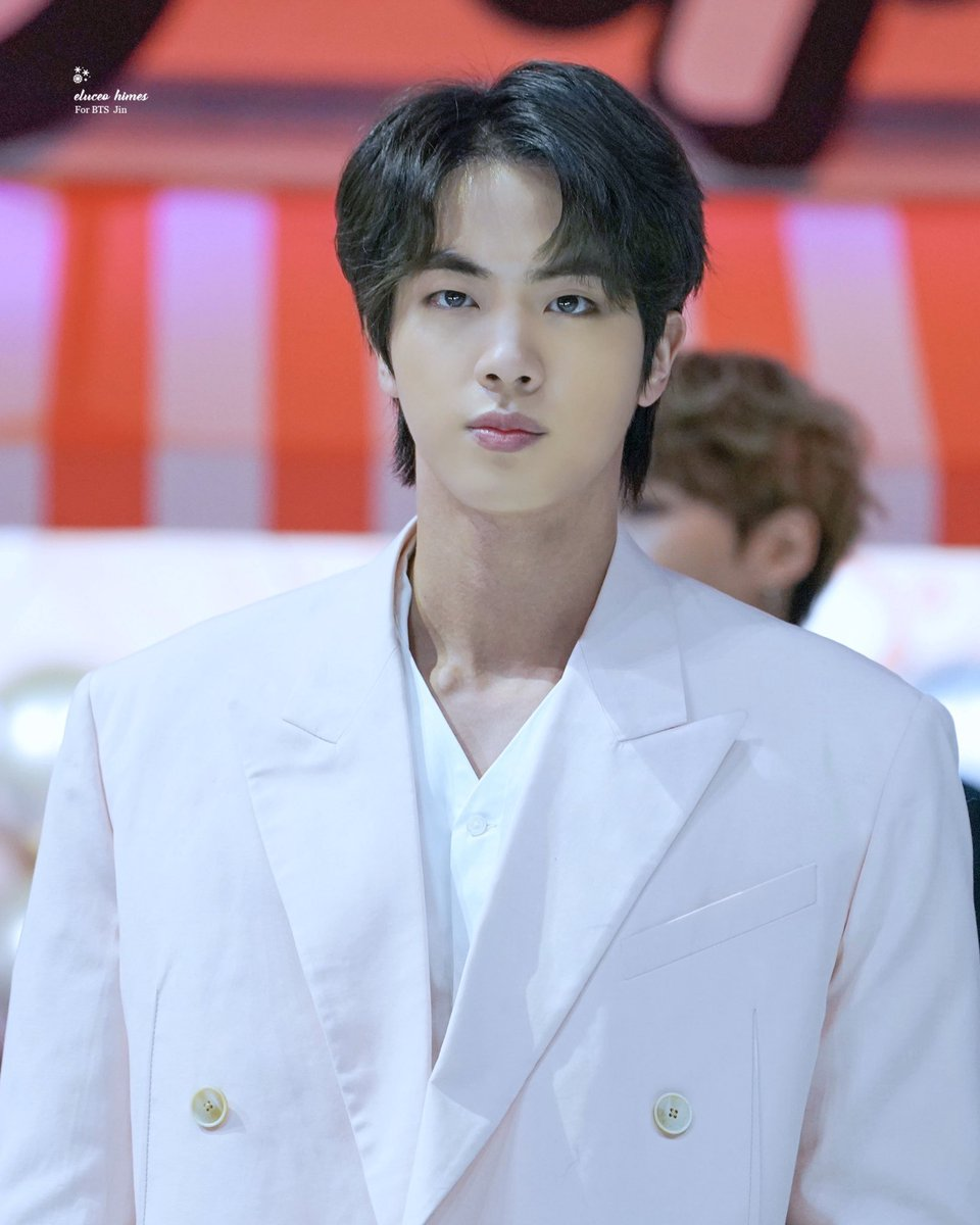Happy birthday to the our sunshine. I can't describe how many times Jin's words have comforted me and how grateful. Thank you for being there for us. I love you 🥺💜 #OurMoonJinDay #OurSparklingGemJin #BrightestDiamondJin #NationalTreasureJin #WinterAngelSeokjin #OurHappinessJin