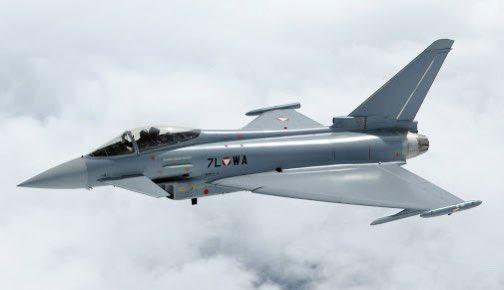 #SONDAKIKA   Irak'ın Al Anbar bölgesinde İngiliz Typhoon ve ABD F-15'leri birlikte uçuş yapıyor.  #abd #typhoon #f15 #ırak #sınırdışı