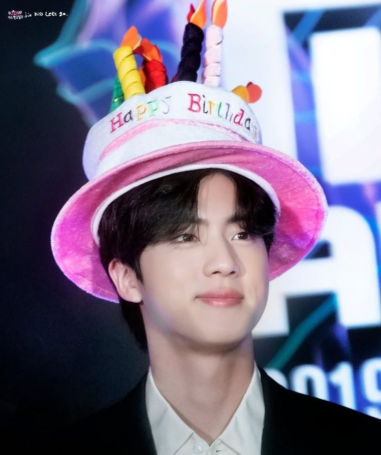 @BTS_twt SARANGHAE KIM SEOKJIN, HAPPY BIRTHDAY 🎂❤️🎊🤩😘 #JINDAY #JIN #JINBIRTHDAY #HappyBirthdayJin #HAPPYJINDAY #HAPPYBIRTHDAYSEOKJIN #BTSJIN #HappyBirthdaySeokjin #JINDAY @BTS_twt