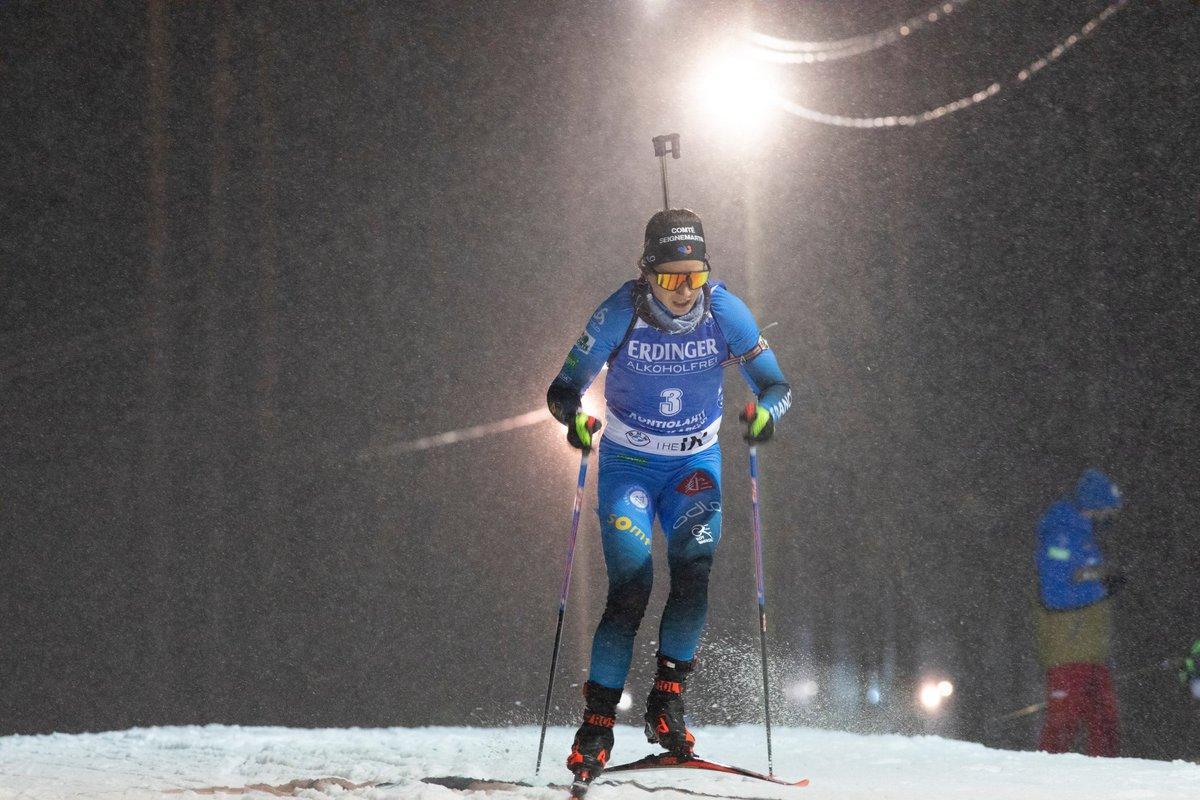 Biathlon : #WorldCup Anaïs Chevalier-Boucher de retour sur le podium 🇫🇷 ! Avec un magnifique 10/10 au tir, la française s'empare de la 2e place 🥈 du sprint de Kontiolahti (Finlande)