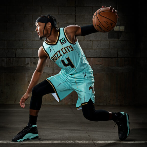 Charlotte: B+ (Hornets also have 2 other new uniforms that are solid [pictured below].) https://t.co/x1YZ9CB2Jm