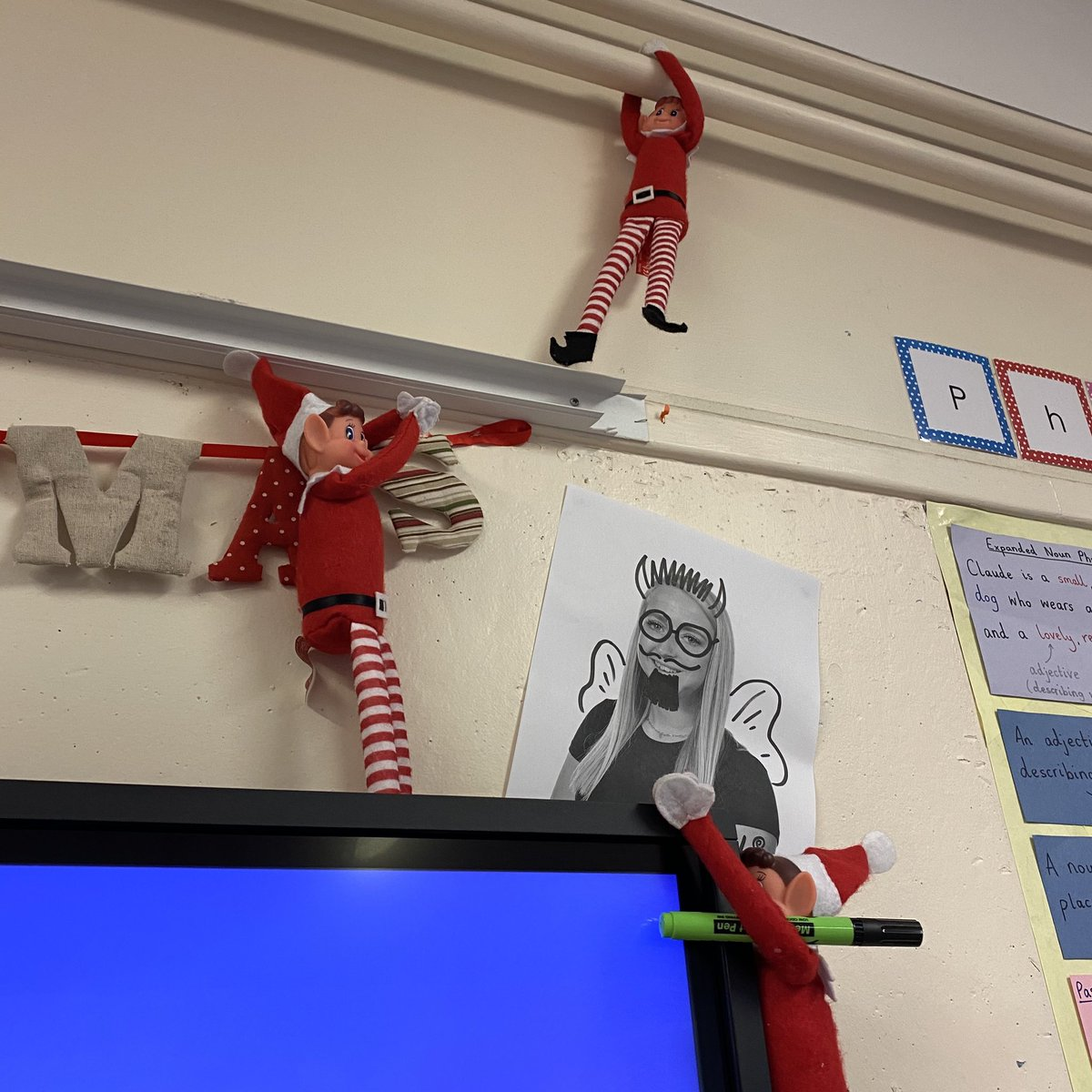 Badgers has a visit from those naughty elves this morning. Look what they did to poor Miss Lloyd! #elfontheshelf2020 #elfontheshelf https://t.co/5GPSLdpcQz