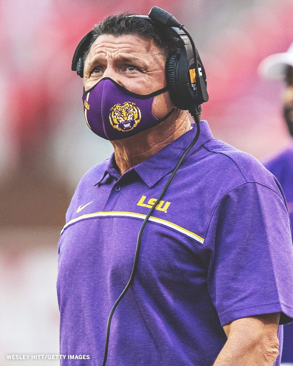 Alabama Football is a 29.5-point favorite against LSU Football this weekend.  The Tigers are the biggest underdog for a defending national champion in the past 40 seasons 😳 https://t.co/43aYE2aRMu