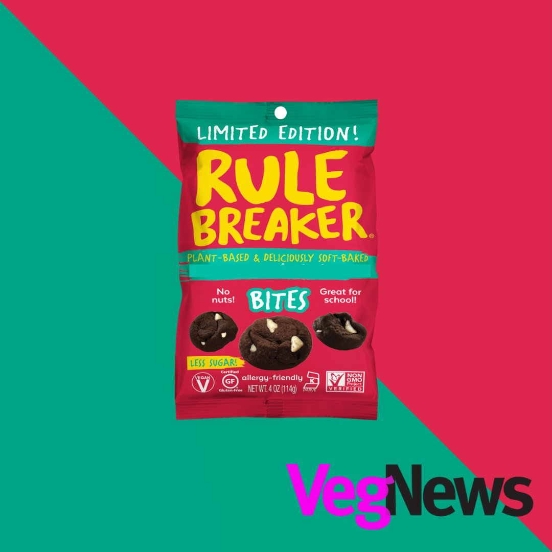 Check out the 20 Vegan Holiday Products To Look For On Your Next Grocery Trip from @VegNews! https://t.co/cnFmr4h5pZ🎄🎁  #bearulebreaker #rulebreakersnacks #snacktimesolved #holidaysnack #holidaytreats #vegantreats #vegnews #VegNews #vegan #plantbased #holidays #veganholidays https://t.co/yfAuct5niR