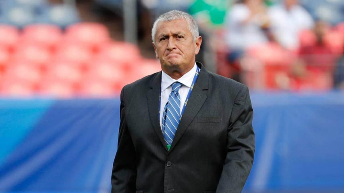 #YoEscuchoElVbarCaracol  🎙️Si llegan los nuevos dueños del Once Caldas, los técnicos opcionados serían Eduardo Lara o Néstor Craviotto.  📲💻Síguenos en el Facebook Live:   📻Sintonice: Lunes a viernes de 2 a 4 pm por @CaracolRadio