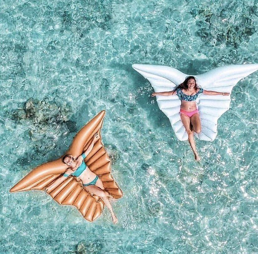 Happiness is when floating in the sea. 💙💚💛🧡🤍 @nessimalinka  #travelmaldives #visitmaldives #maldivesresorts #maldivesislands #maldivescouple #maldives #paradiseonearth #maldivesretreats #luxuryholidays #luxurytravel #beautiful #travel #ansamatravel #thesunnysideoflife https://t.co/o0mk3IElCs