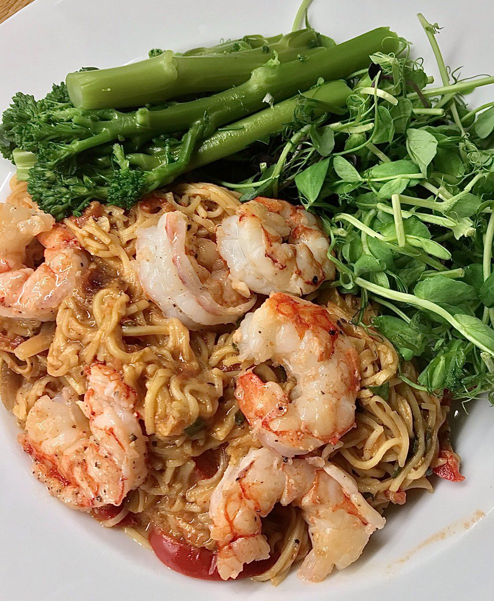 Louisiana Creole Wild Red Shrimp with noodles, tender-stem broccoli & pea-shoots. #food #dinner https://t.co/wUkJRTgQtE