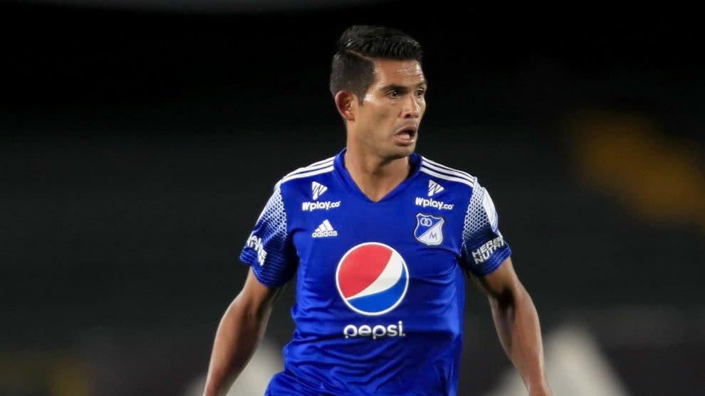#YoEscuchoElVbarCaracol  🎙️🔵Macalister Silva está en negociación y podría continuar en 2021. Siguen los diálogos y aún falta confirmar si se queda o no.  📻Sintonice: Lunes a viernes de 2 a 4 pm por @CaracolRadio