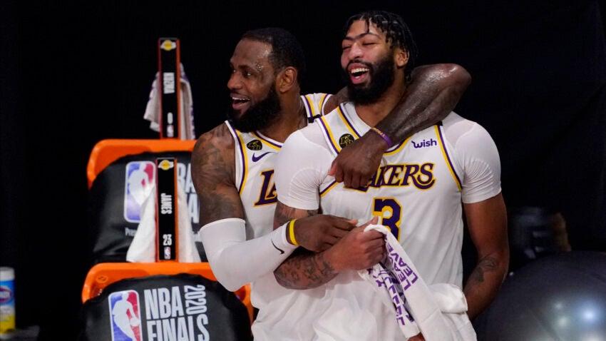 Anthony Davis inking 5-year deal to return to Lakers https://t.co/DSs4otDrbg https://t.co/BXuk0gkCsL