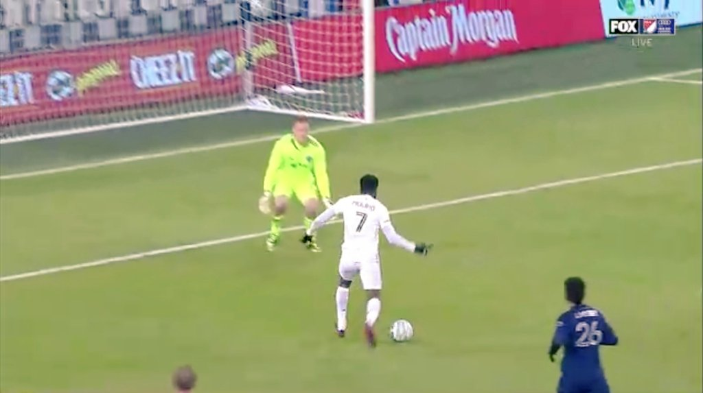 ¡¡Vamoooossss!!   El @MNUFCes se adelanta 1-0 en el 27' con excelente definición de @kevinmolino10 con un pase espectacular del argentino #Reynoso.  La jugada parte de una recuperación del capitán @OzzieAlonso.  #MNUFC #MLSCupPlayoffs