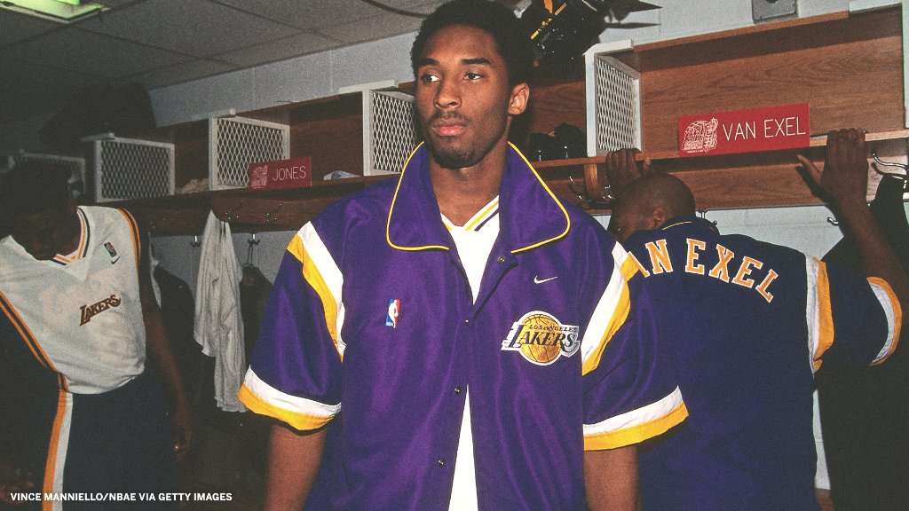 We need to see the vintage warm-ups back in the league 🔥