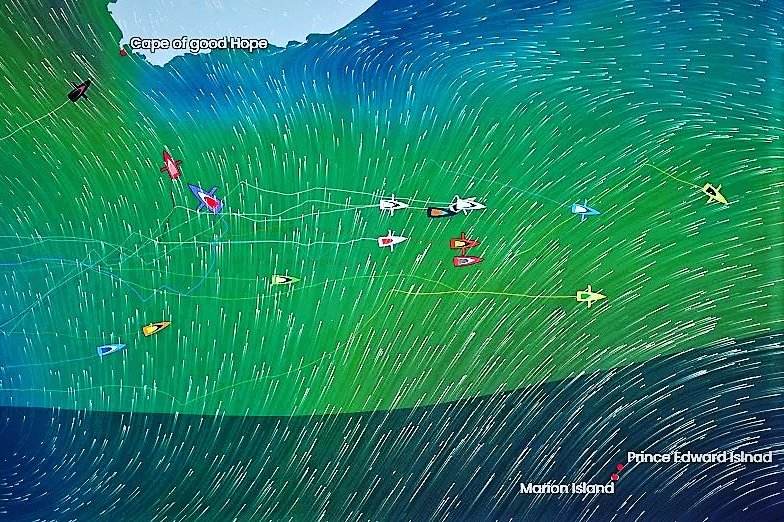 Samantha Davies and Sebastien Simon follow Alex Thomson into Cape Town, South Africa tonight after suffering boat damaging collisions with unidentified floating objects, UFO's, in the Southern Ocean during the Vendee Globe Race.  race tracker >> https://t.co/DXyvFqnoPq https://t.co/meFtJcvMfu