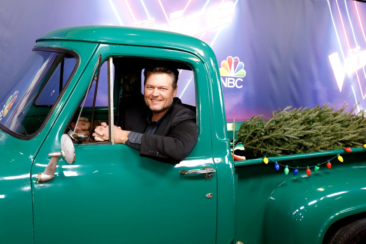Get in y'all, it's time for the @NBCTheVoice Holiday Special! #TeamBlake #TheVoice