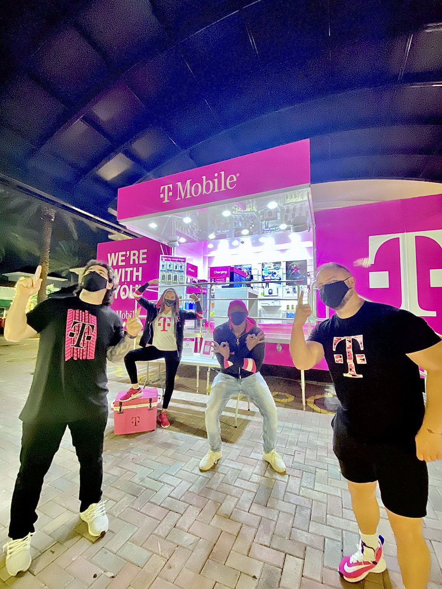 We are done for today but we will be back tomorrow and we can't wait to see you! 💕 🤗 #ThankYouCustomers for making our day even more #Magenta 💗