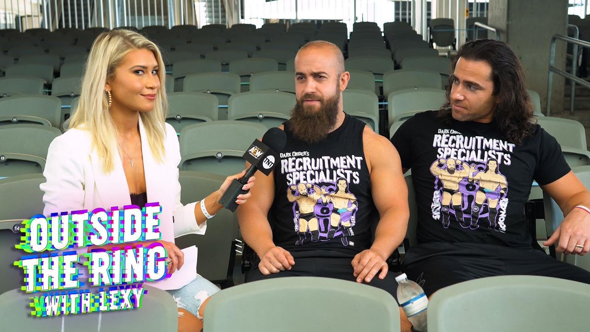 Outside The Ring with @LexyNair has BEGUN with special guests @SilverNumber1 and @YTAlexReynolds of the #DarkOrder. Check the link to watch NOW ➡️ youtu.be/8YEE6onKbtA