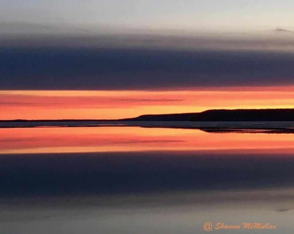 Breathe it in! Another beautiful Manitoulin Island dawn on Lake Kagawong. #travel  #discoverON #photography #ManitoulinIsland #manitoulinmagic https://t.co/wo7nZ45LVq