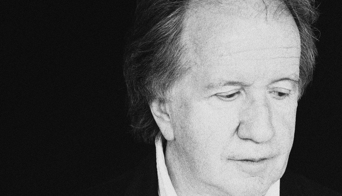 Nous avons perdu un très grand artiste aujourd'hui, toutefois, la musique et l'oeuvre d'André Gagnon resteront en nous pour toujours. Mes pensées les plus douces accompagnent la famille et les proches. - Céline xx…  📸 : Marie-Claude Tétreault https://t.co/fvH2YVDicS