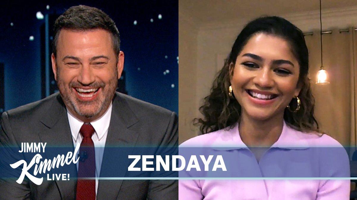 .@Zendaya's family wins best reaction at the Emmys! 👊🎉🤣 #Euphoria