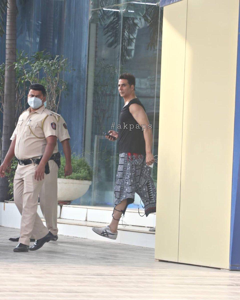 PHOTOS 1- #Boss🖤 @akshaykumar sir spotted at @NGEMovies's office a day before yesterday in mumbai !   #BachchanPandey