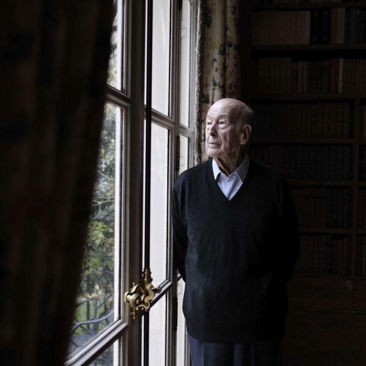 #ValeryGiscarddEstaing le président qui a eu le courage de changer la France de manière historique. Qu'il repose en paix. #Giscard #President #rep #rip #France